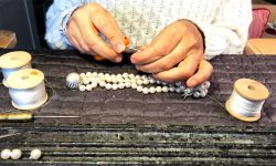 Formation enfilage de perles : ciseau coupe noeud
